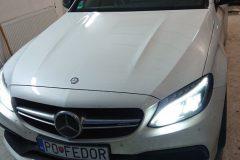 Mercedes C 63 AMG - výmena čelného skla