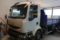 Renault Midlum - výmena čelného skla